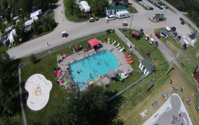 camping-magog-orford-piscine-jeux-d-eau-02
